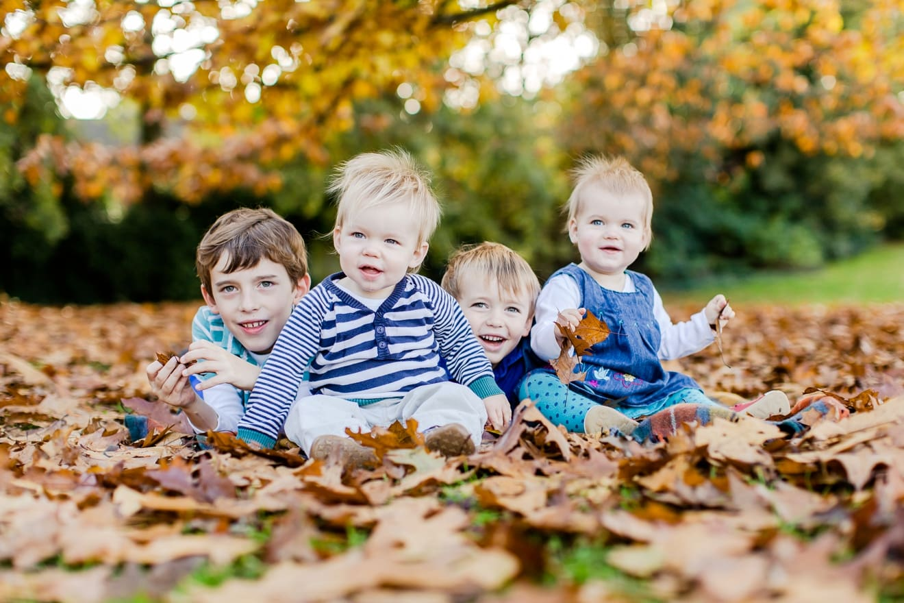 autumn-mini-portrait-sessions-surrey-weybridge-cobham-eddie-judd-family-photographer_0001