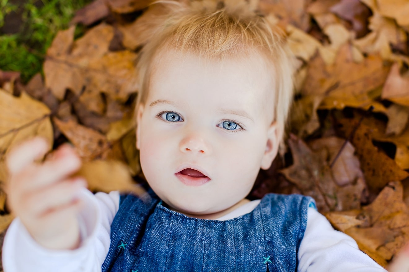 autumn-mini-portrait-sessions-surrey-weybridge-cobham-eddie-judd-family-photographer_0003