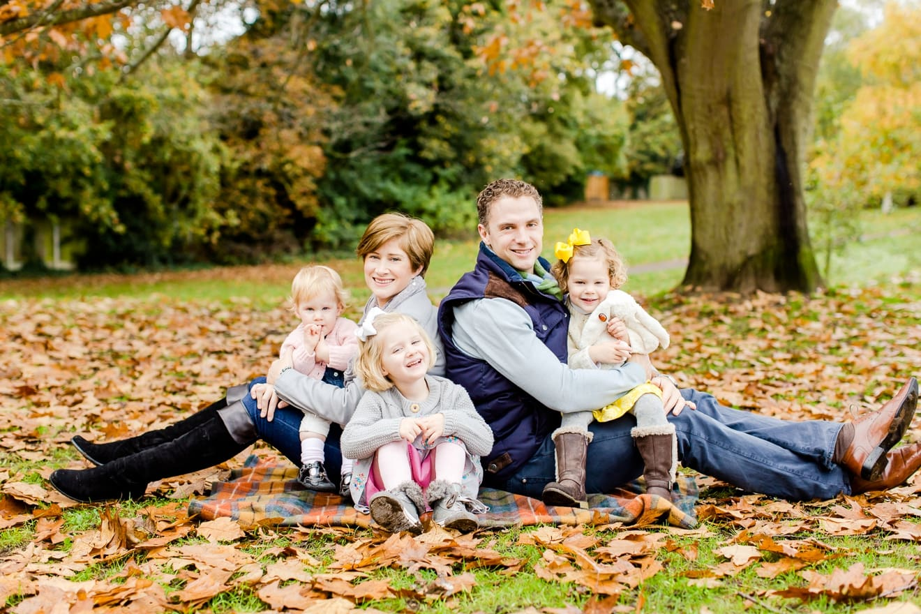 autumn-mini-portrait-sessions-surrey-weybridge-cobham-eddie-judd-family-photographer_0014
