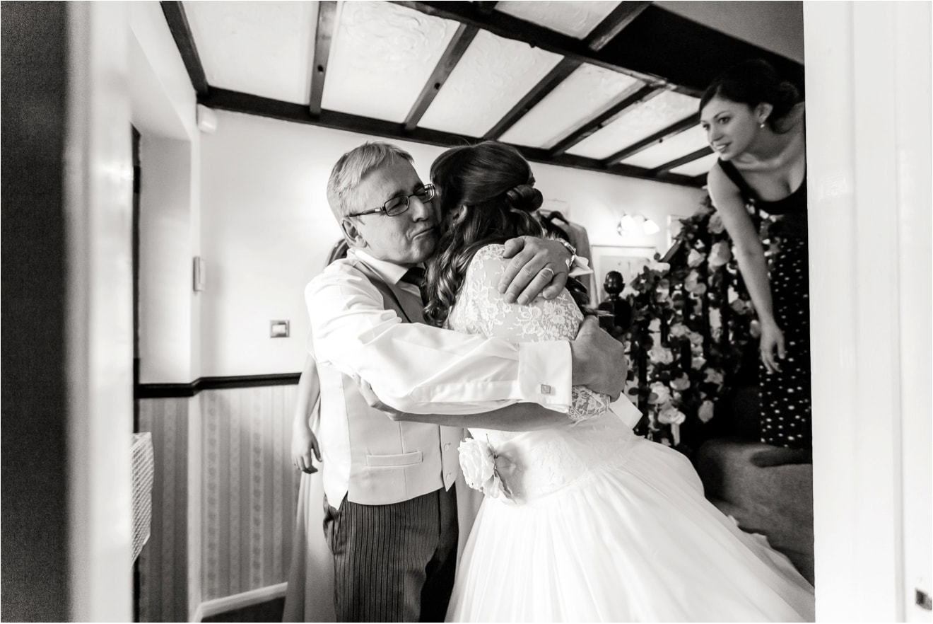 wedding-at-hambledon-vineyard-eddie-judd-photographer0018