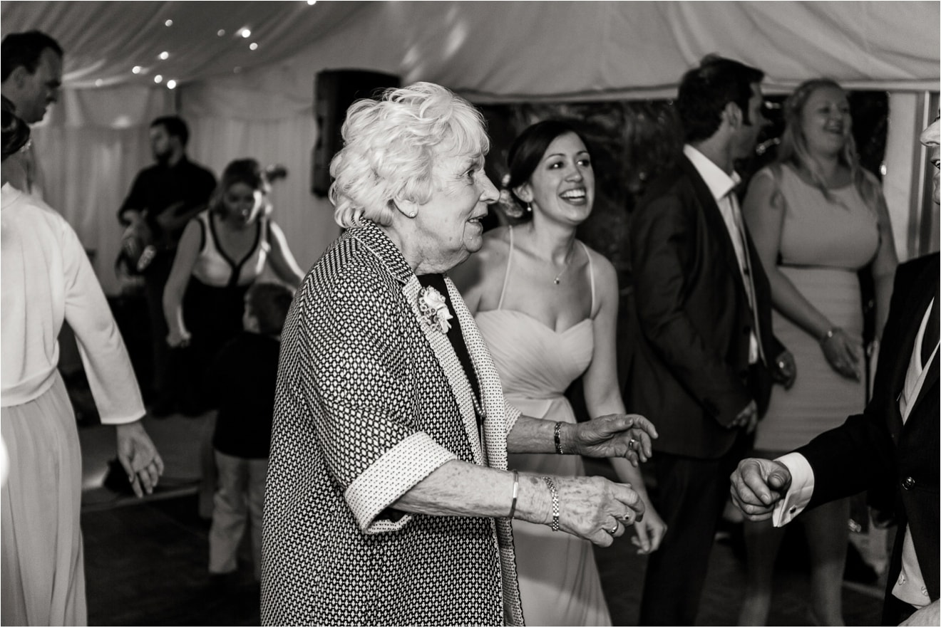wedding-at-hambledon-vineyard-eddie-judd-photographer0113